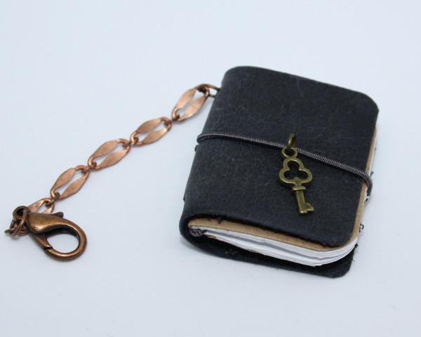 Machbar Schlüsselanhänger Leder Notizbüchlein dunkelblau