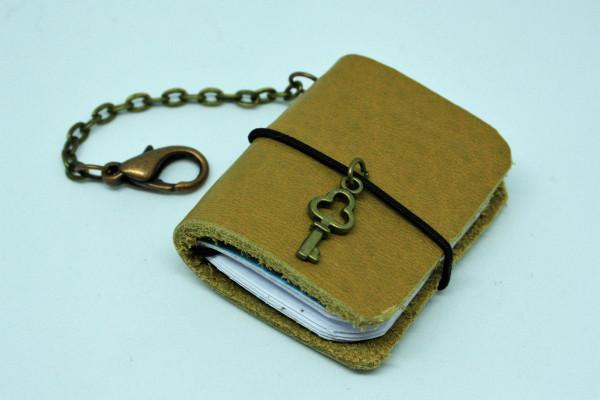 Schlüsselanhänger Machbar Mini Notizbuch hellbraun